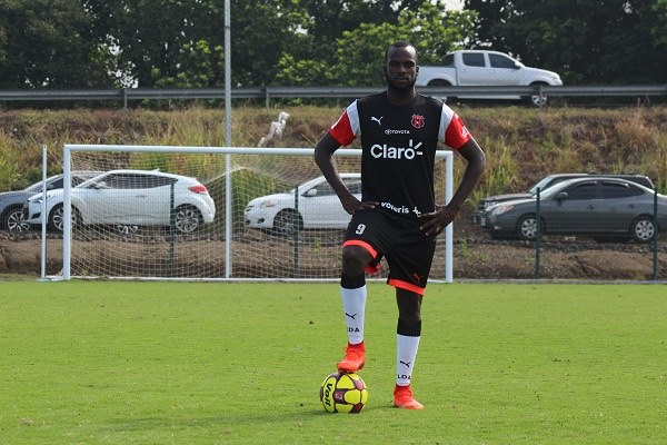 Alajuelense release Boatswain after four months; agents discuss life for T&T players in Latin America.