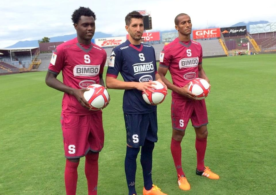 David completes Saprissa move