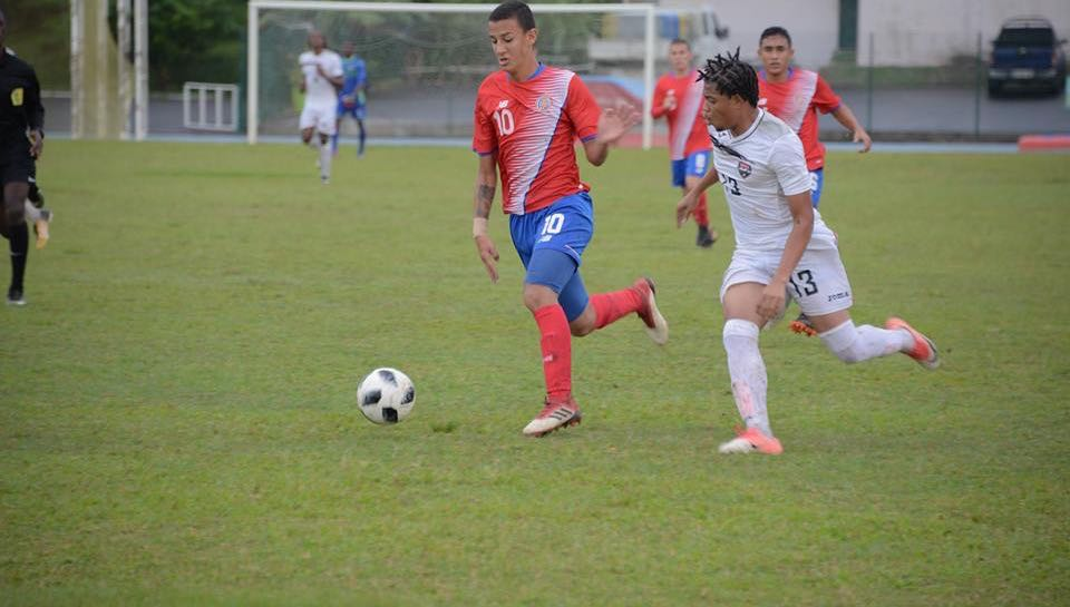 T&T's Kishon Hackshaw in action against Costa Rica.