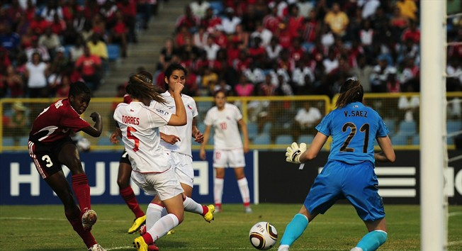 #3 - Diarra Simmons volly pass the Chile keeper.