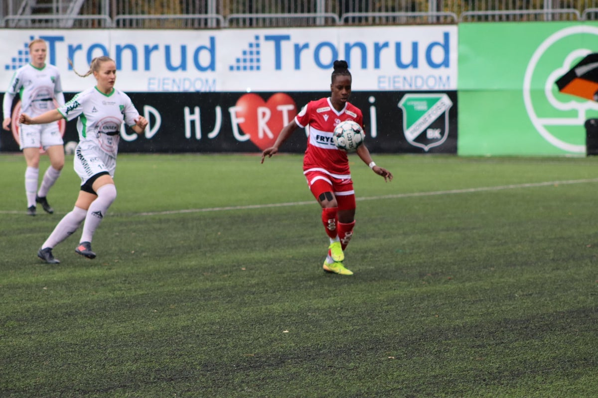 October 6th 2020: Sandviken IL's Kennya Cordner in action during a Women's Norwegian Football Cup match against Hønefoss BK