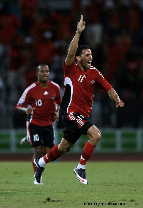 Carlos Edwards celebrates his goal vs Costa Rica.
